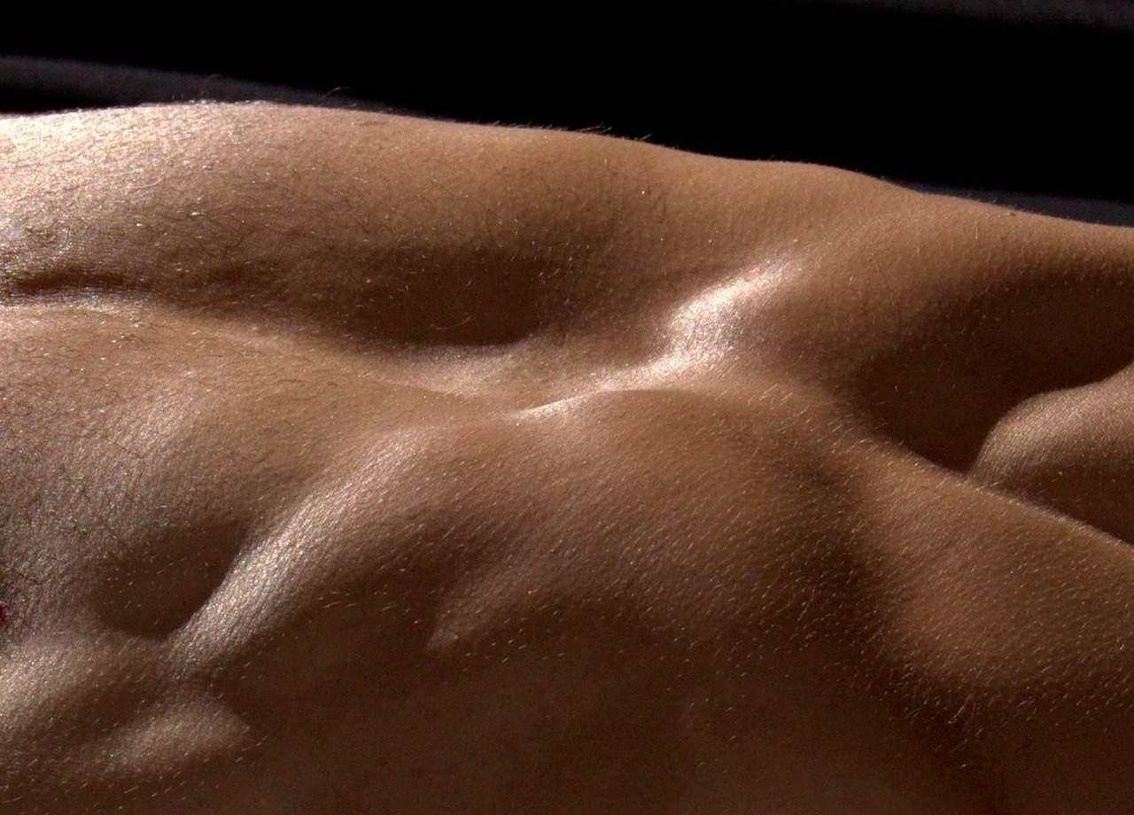 golie-tela-onlayn