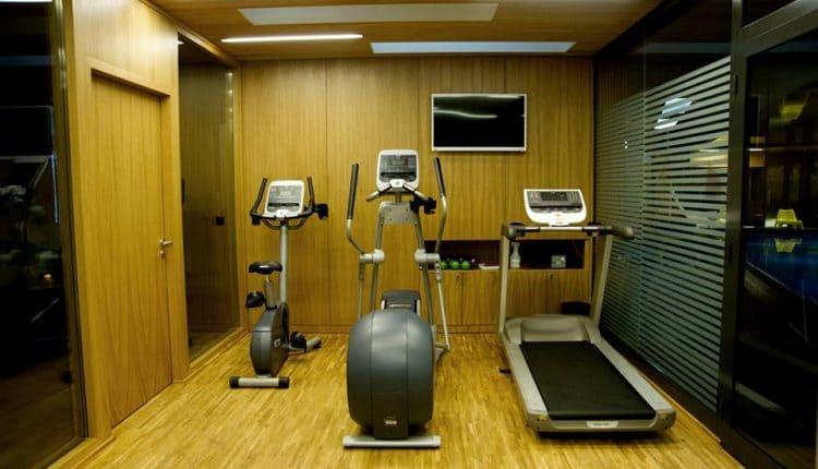siłownia-hotelowa-hotel-regatta-poznań-750x430 Aranżacja siłowni hotelowej krok po kroku